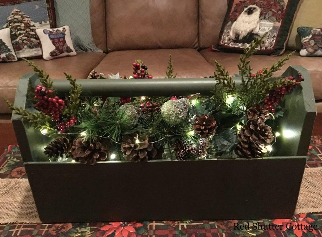 Christmas Tote www.redshuttercottage.com