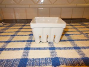 Berry box to hold sink tools