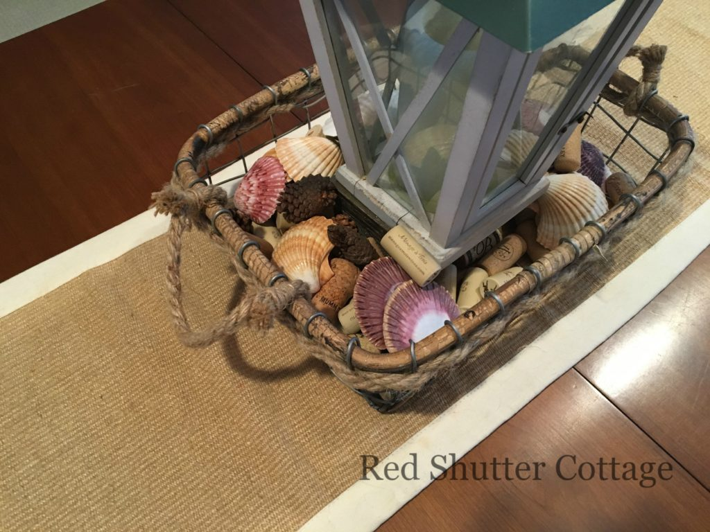 Summer dining table basket second layer of shells