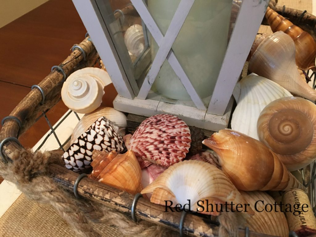 Summer dining table basket third layer of shells