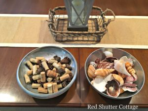 Summer dining table corks and shells
