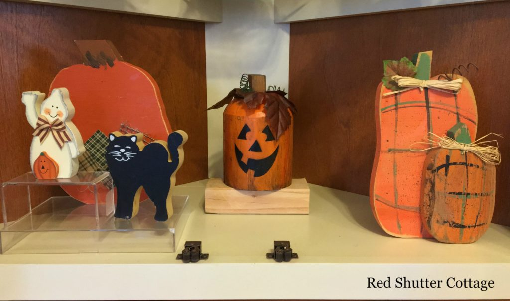 2016 Fall and Halloween Kitchen Tour Hutch Bottom Shelf