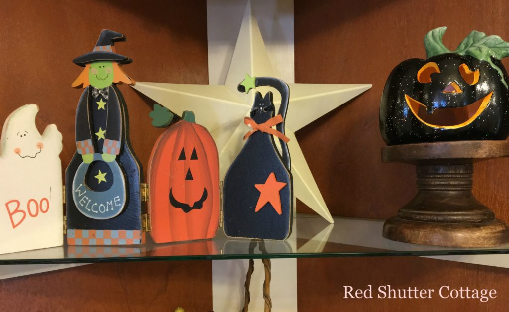 2016 Fall and Halloween Kitchen Tour Hutch Top Shelf