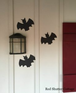 Halloween on the Porch 2016 www.redshuttercottage.com