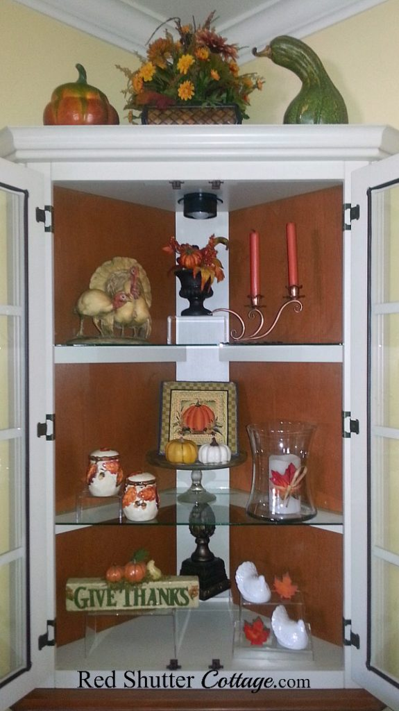 A longer view of our 2017 Thanksgiving hutch including a 'Give Thanks' sign and white turkey salt~n~pepper shakers. www.redshuttercottage.com