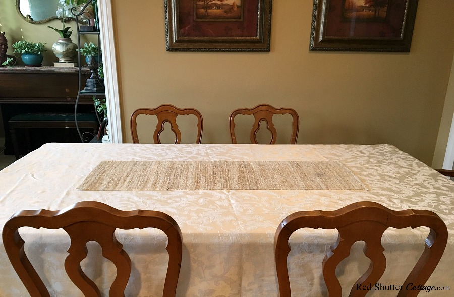 Thanksgiving tutorial starts with an empty dining table. www.redshuttercottage.com