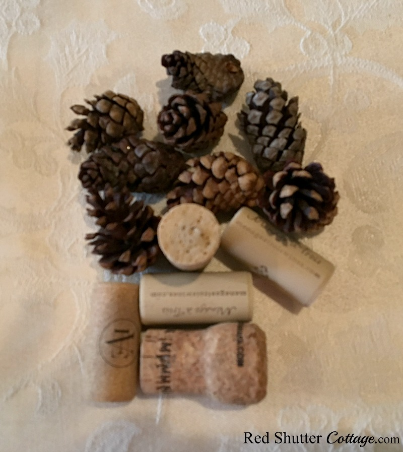 Corks and pine cones for Thanksgiving table tutorial. www.redshuttercottage.com