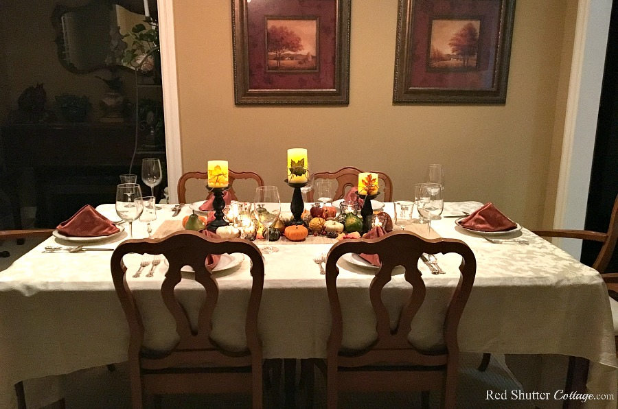 The final view of the Thanksgiving table tutorial. www.redshuttercottage.com