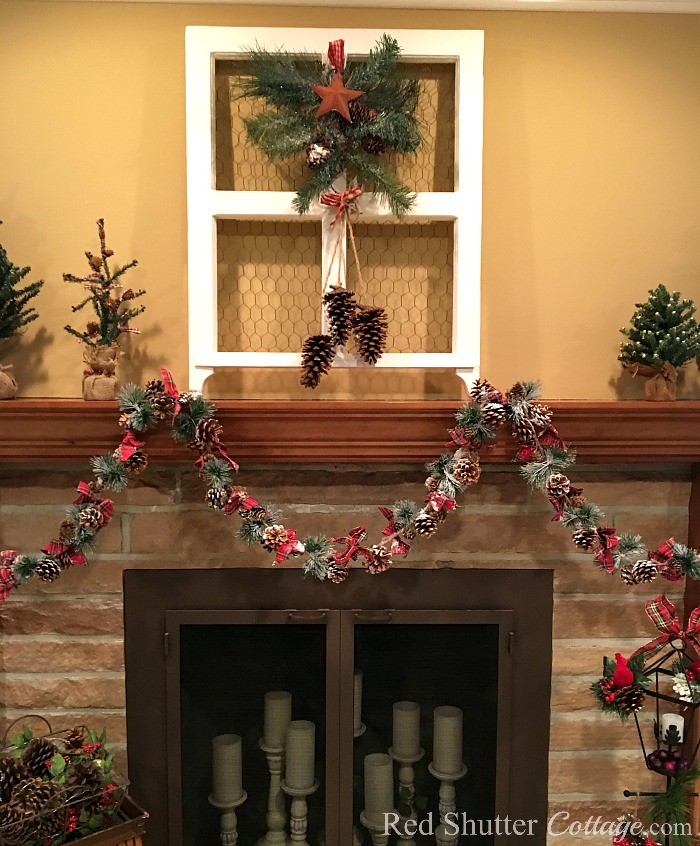 Christmas 2017 view of mantel decorations. www.redshuttercottage.com