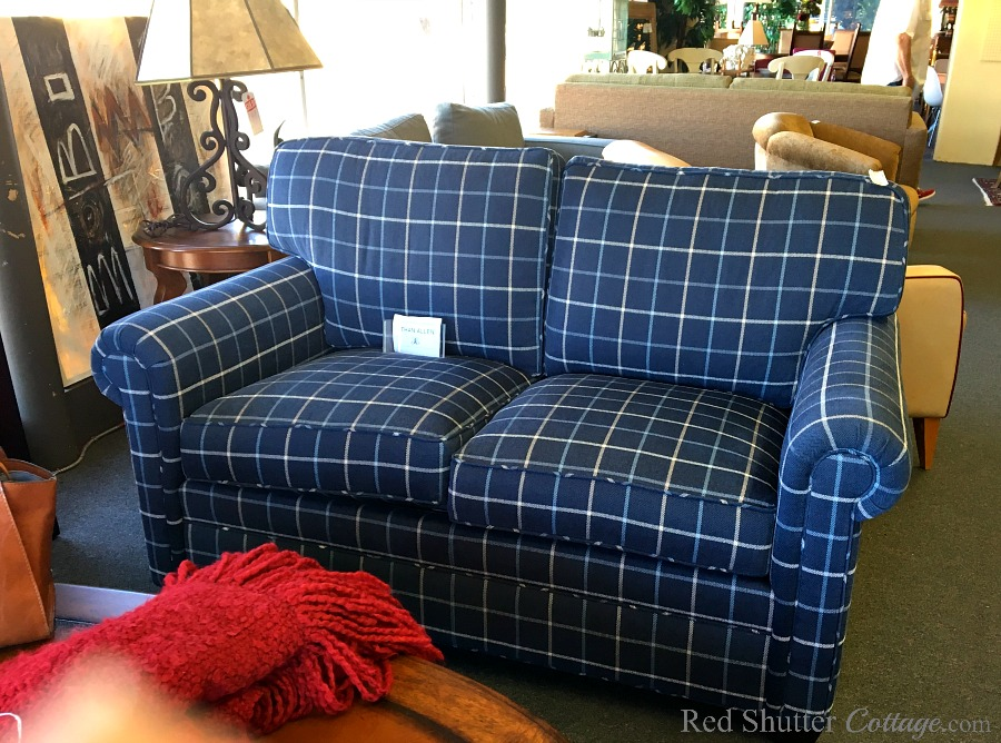 This was my first frontal view of The Love Seat I Almost Didn't Buy. www.redshuttercottage.com