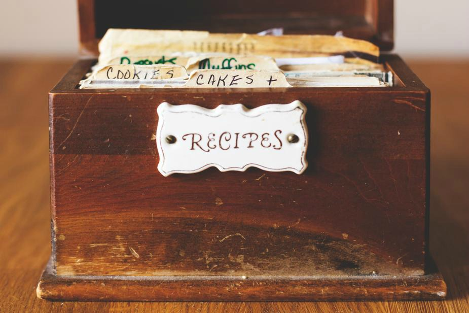 Creating a menu plan of 2 dishes each week for 5 weeks is one of the steps of Kitchen Organization - 5 Ways to be More Efficient. www.redshuttercottage.com