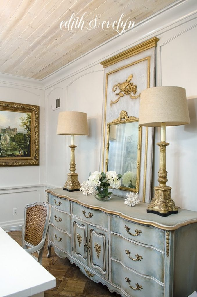 This photograph of a room done in French Country is from Edith &Evelyn, as part of How to Mix Up Your Decor Style. www.redshuttercottage.com