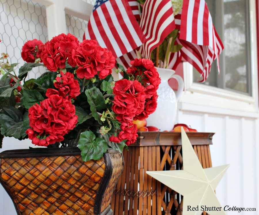 A 4th of July porch vignette. www.redshuttercottage.com